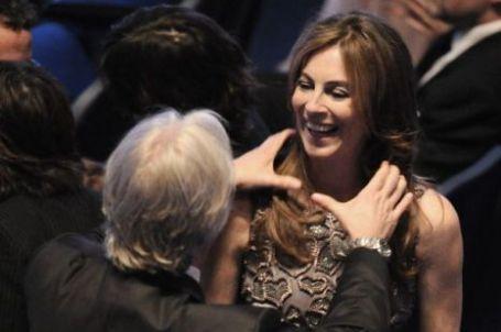 Los dos candidatos a la Mejor Dirección, James Cameron y Kathryn Bigelow, en la ceremonia de los Oscar (Fuente: elmundo.es)